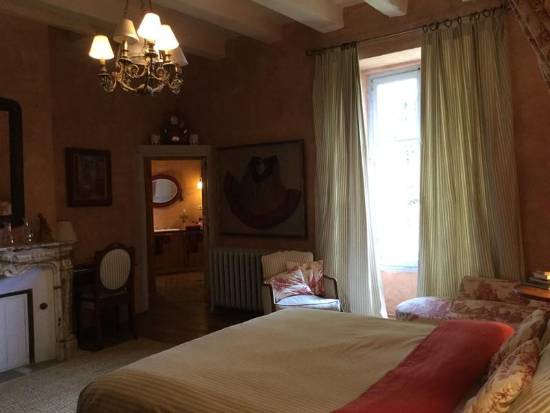 Chambre rouge Saint Victor La Grand'Maison Mairie Rouet-Grandclément